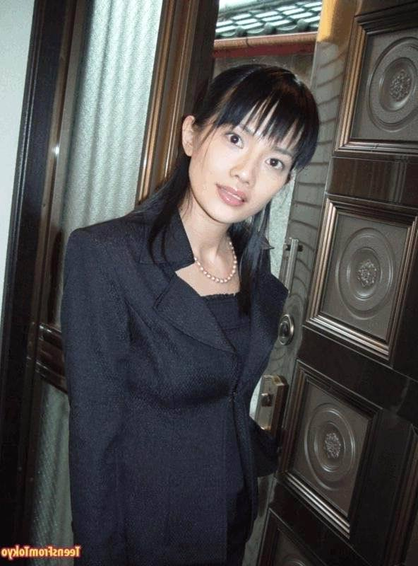 Зрелая азиатка устроила в офисе настоящий разврат порно фото бесплатно