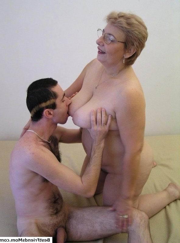 Молодые парни и красивые зрелые бабы порно видео если