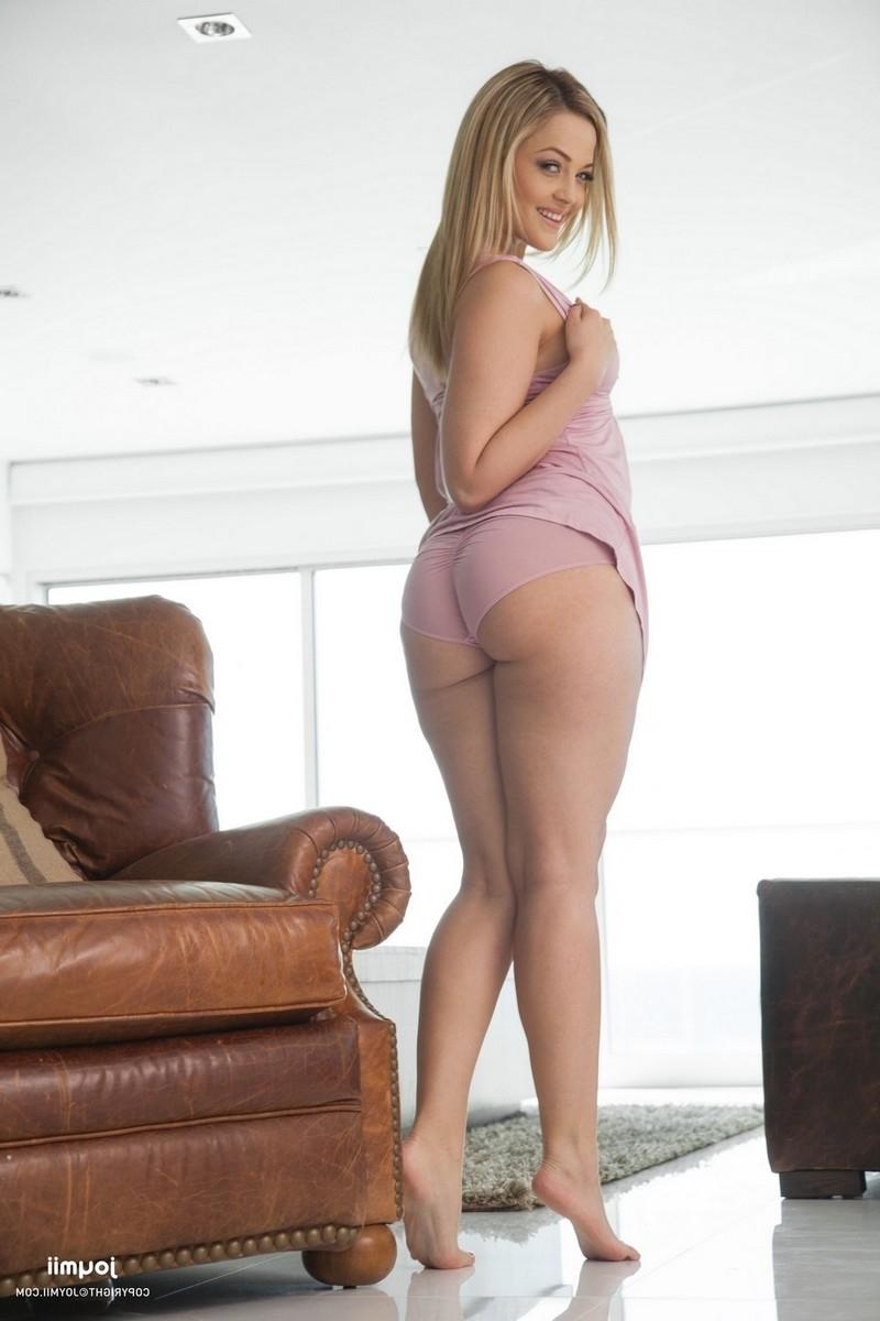 Alexis Texas забавляется с игрушкой порно фото бесплатно