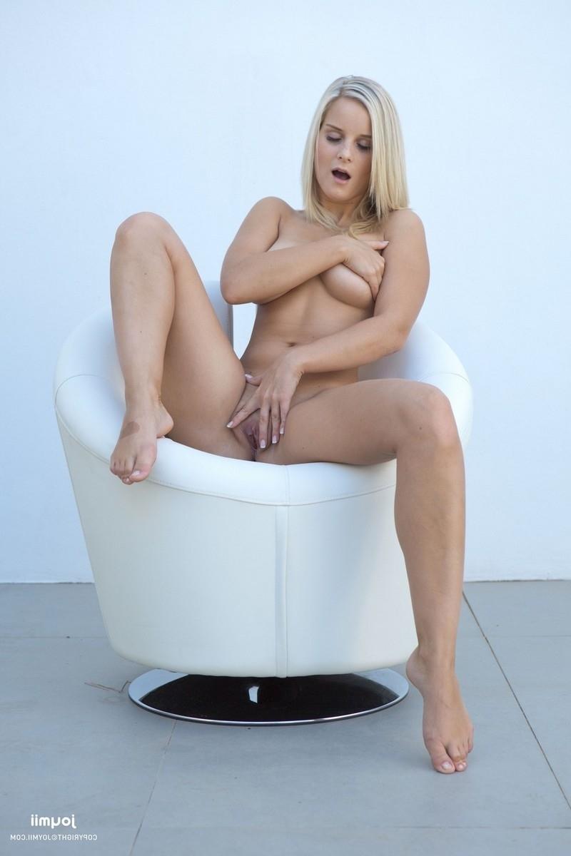 Пышногрудая блондинка Милена порно фото бесплатно