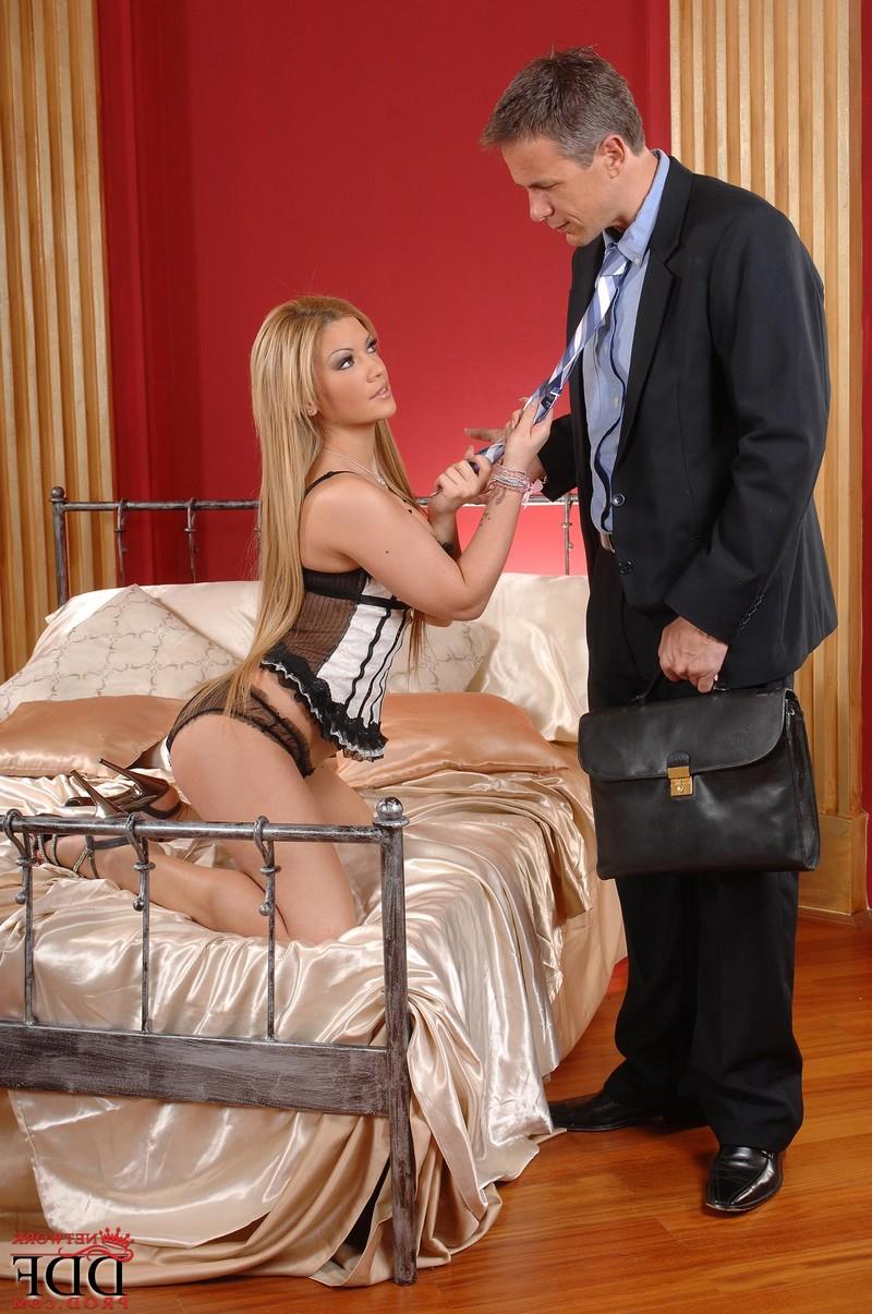 Bibi Noel затащила в постель мужа подруги порно фото бесплатно