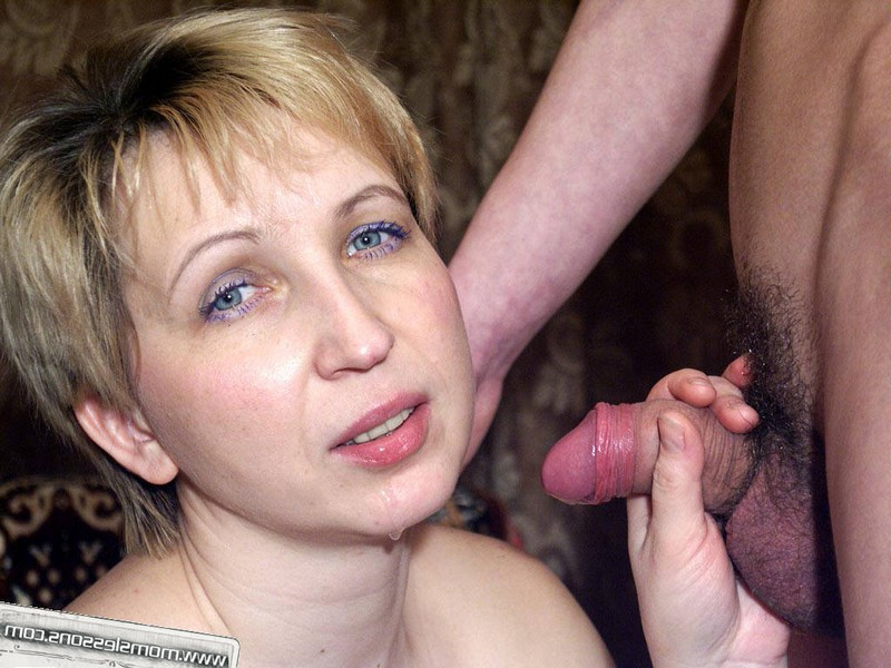 Зрелые русские мамочки сосут