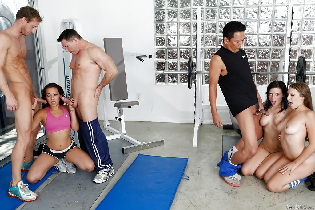 бы, порно групповуха в фитнес зал приветствуются мягкие