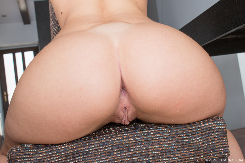 Naomi Nevena Ass Buttocks Thongs Stockings Young Woman Closeup Xxnx 1